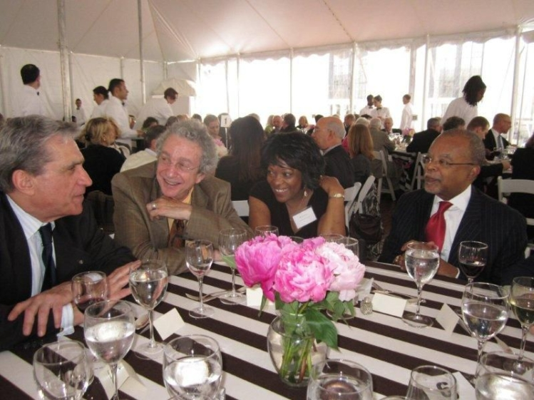Robert Pinsky with table mates (photo)